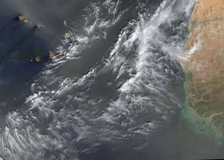 O arquipélago de Cabo Verde e a costa africana da Mauritânea, Senagal e Guiné-Bissau (imagem NASA)