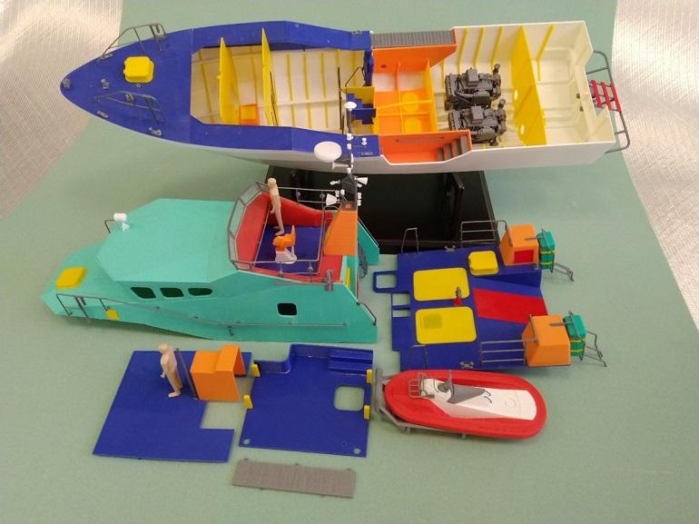 Peças do modelo pormenorizado, impresso à escala 1:25, da Lancha L-150 (imagem do autor)