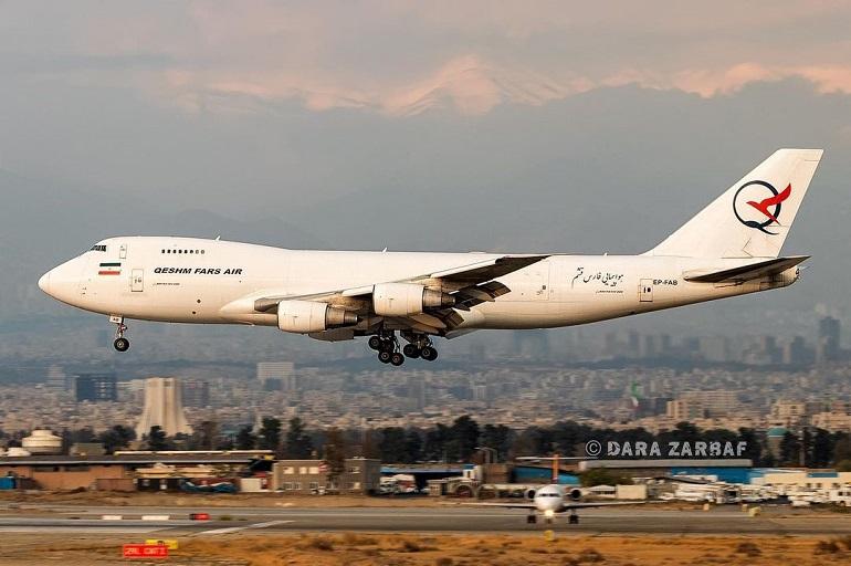 """O Boeing 747 """"Jumbo"""" matrícula EP-FAB, a aterrar no aeroporto de Teerão (imagem Instagram timelapsegeek)"""