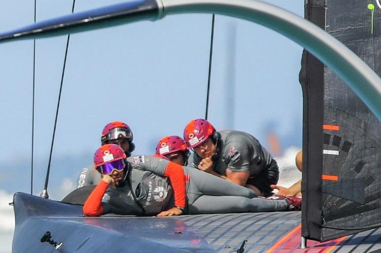 A equipa britânica da Ineos Team UK (pormenor da imagem de Stefano Gattini)