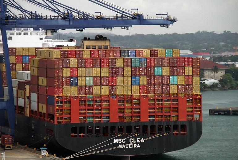 O porta contentores MSC CLEA, um dos navios da MSC com pavilhão português MAR (Imagem de Monica Volpin por Pixabay)