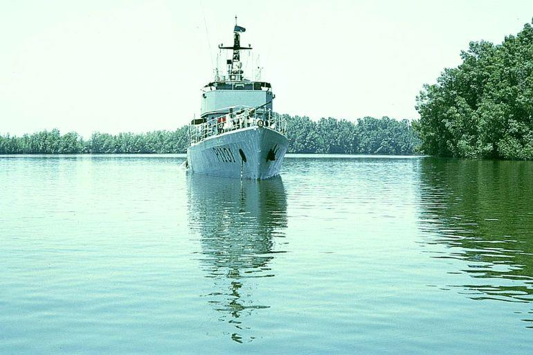 A LFG (Lancha de Fiscalização Grande) SAGITÁRIO fundeada no rio Cacheu (imagem Adelino Rodrigues da Costa)