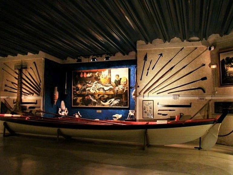 Exposição do bote no Museu Marineland (D.R.)