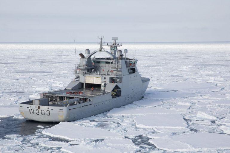 O KV SVALBARD a navegar no seu meio natural (imagem Marius Vågenes Villanger Forsvaret)
