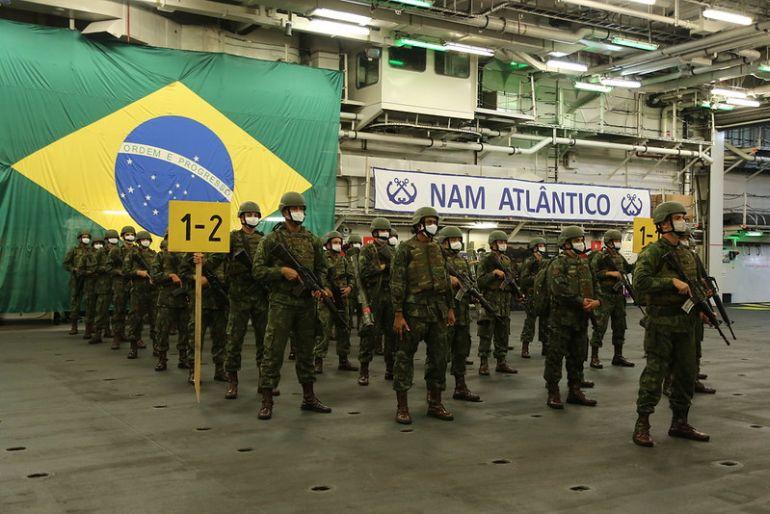 Fuzileiros Navais a bordo do NAM ATLANTICO (ex HMS OCEAN) (imagem MB)