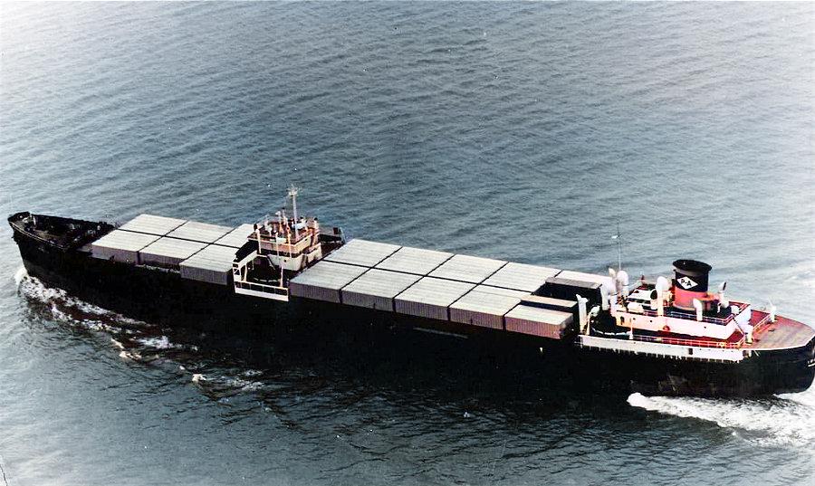 O primeiro navio porta-contentores, o SS IDEAL X (imagem colorida com Hotpot)