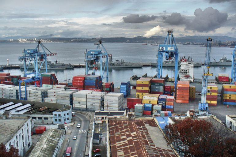 Terminal de contentores marítimos de Valparaiso, Chile (imagem via pxhere.com)