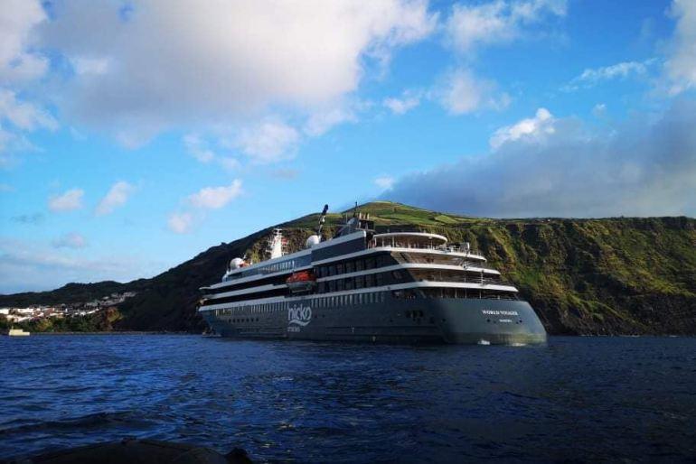 No dia 3 de junho pairou frente a Vila do Corvo, na ilha mais pequena dos Açores (imagem Andreia Santos)