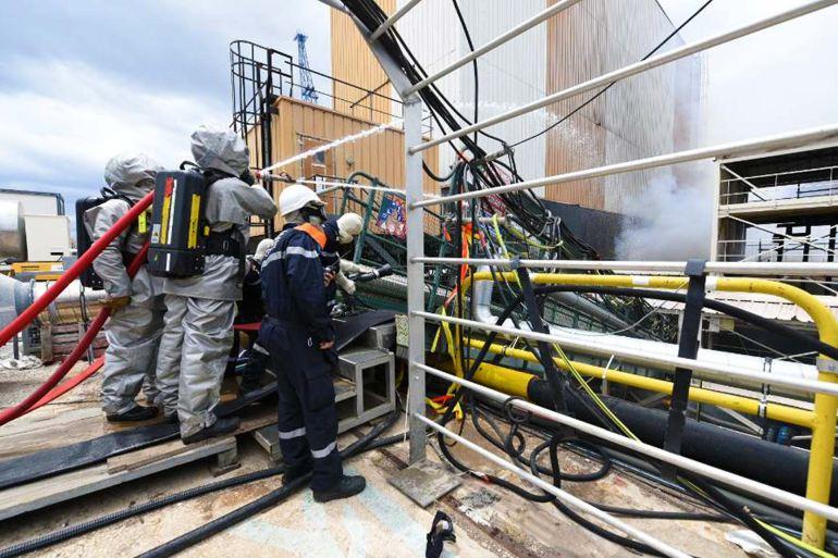 Pormenor do combate ao incêndio no SNA PERLE. (imagem Ministère des Armées)