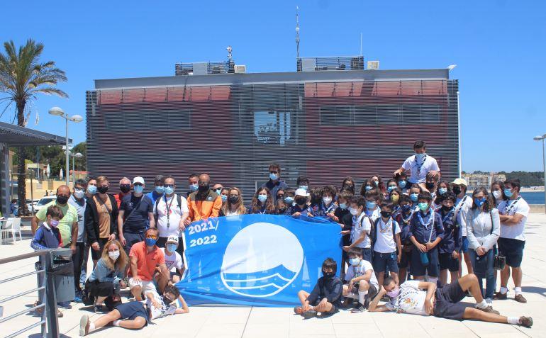 No dia 5 de julho, Dia Mundial do Ambiente, decorreu o hastear da Bandeira Azul na Marina de Oeiras (imagem ABAE)