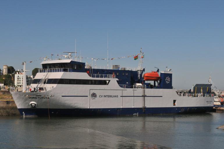 O novo ferry da CV Interilhas, MV DONA TUTUTA. (imagem Luís Miguel Correia)