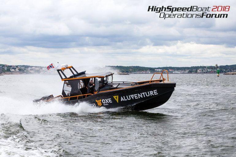 A firma norueguesa AluVenture Boats trouxe ao HSBO o modelo AluVenture 11000 XE, com a interessante solução Quite Pilothouse (créditos na imagem)