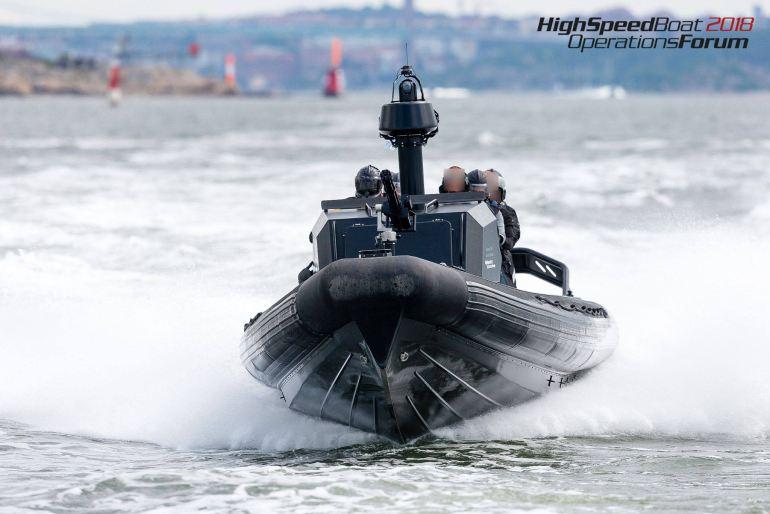 A Boomeranger, finlandesa, apresentou o Special Operations Boat C-950-D, equipado com uma minigun. (créditos na imagem)