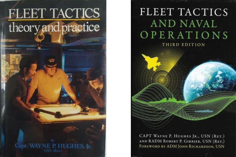 Capas da primeira edição, Fleet Tactics, Theory and Practice (1986) e da terceira, Fleet Tactics and Naval Operations (2020)