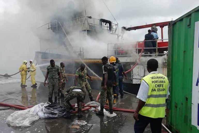Equipas de LA do NRP ZAIRE participaram no combate ao incêndio do navio VILLE ABIDJAN no dia 21 de maio de 2019 (imagem MGP)