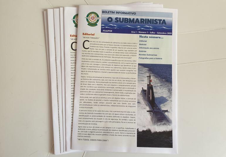 Durante a assembleia foi distribuído o nº1 do Boletim Informativo O SUBMARINISTA (imagem João Gonçalves)