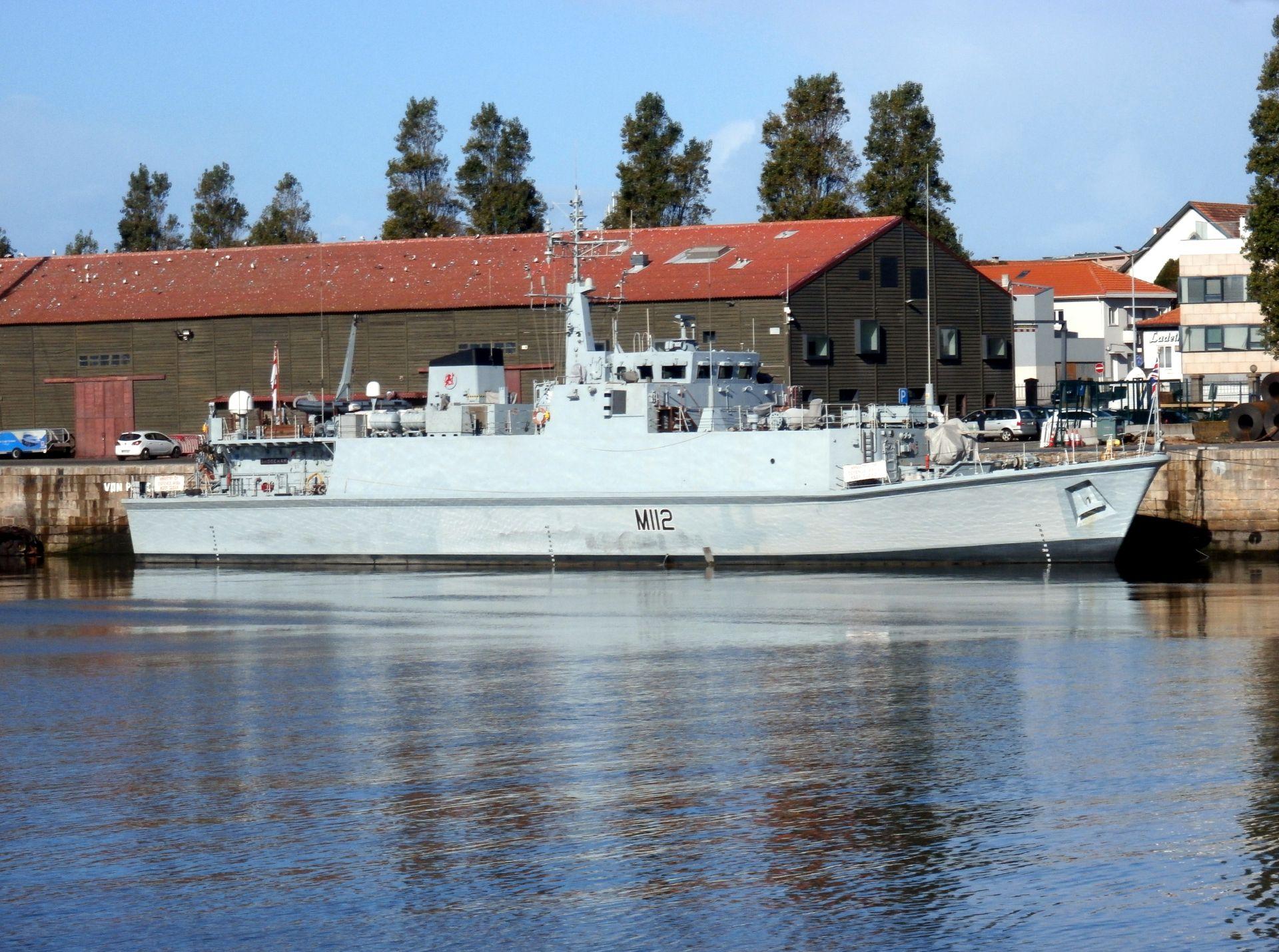 Caça-minas M112 HMS SHOREHAM em Leixões
