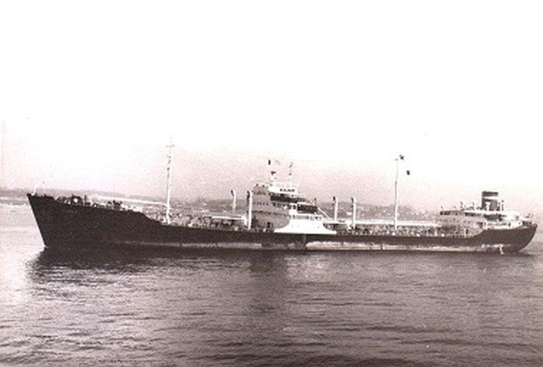 Navios Extra-Despacho 100: Navio-Tanque CERCAL (1952) 15